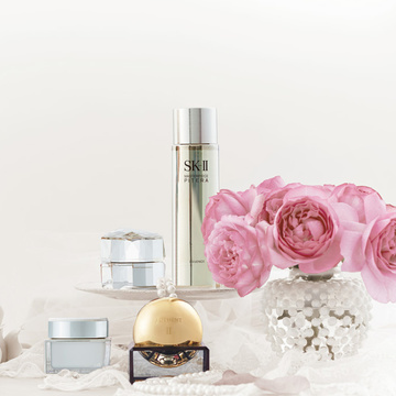 1. 花束みたいに華やかな香りのお手入れで、 女らしさを呼び覚ます