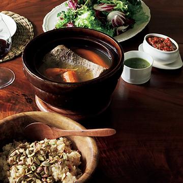 肉と野菜の煮込み=ボリート