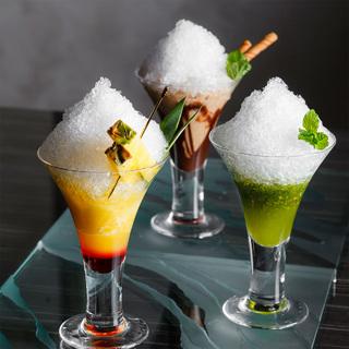 絶対食べに行きたい!夏の暑さを和らげる、シャンパーニュベースの大人のかき氷