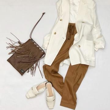 Brownを着こなしのスパイスに。