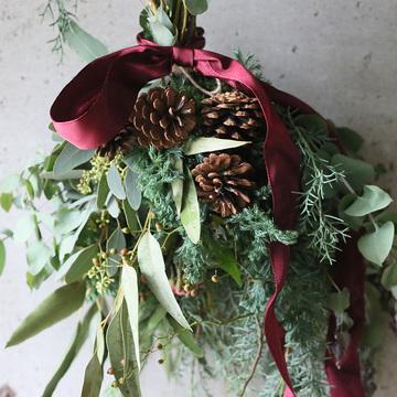 大人気のフラワーアトリエ「ウヴル」の『クリスマス スワッグ作りワークショップ』をオンラインで開催!