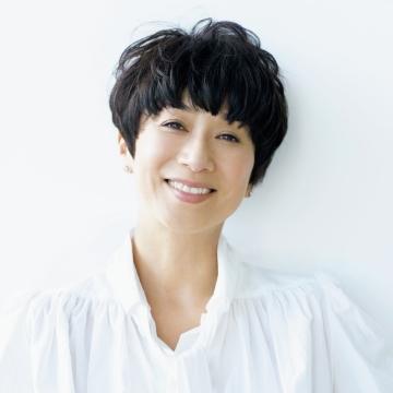 モデル 黒田知永子さん