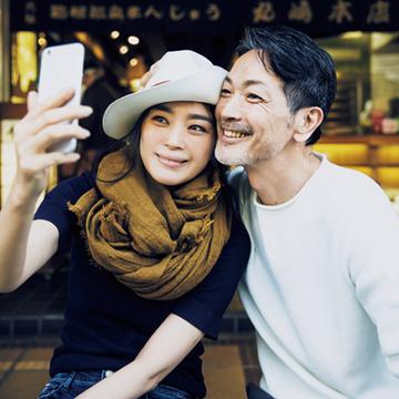 みやげ物通りの散策は大判ストールで写真映え【パートナーと過ごす週末カジュアルagain】
