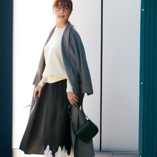 「ハリツヤ・スカート」投入で冬コーデを女性らしく華やかにアップデート!