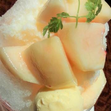 桃のミルクフラッペ