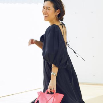 トッズのネオン色バッグにときめいて【スタイリスト大草直子の「おしゃれ塾」】