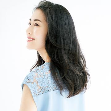 アラフィー女性が直面する「白髪染めSOS」に髪のプロがアンサー!