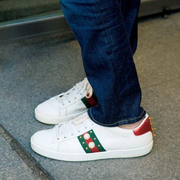 パリ&ミラノでキャッチ!白革スニーカー&個性派スニーカー 五選