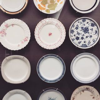 名古屋ノリタケの森ミュージアムで華麗なる「オールドノリタケの世界」に触れる。美しい食器で豊かな食卓を。