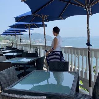 「イベントコーデ」葉山、海の見えるカフェテラス