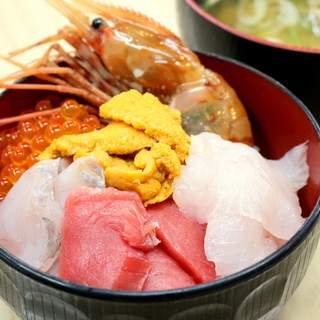 大好きな街、仙台へ①~塩釜仲卸市場でのっけ盛りっ!MY海鮮丼~