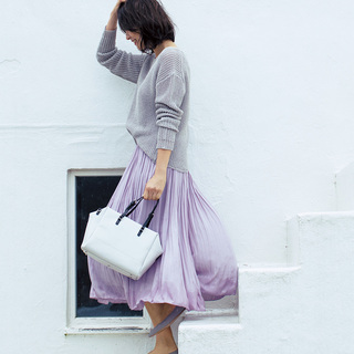 きれい色スカートコーデからシャープなジャケットコーデまで