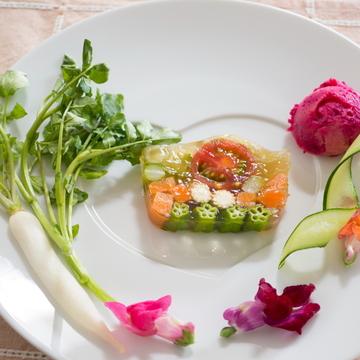 50代の美:前菜なのに主役級の美サラダはこちら!