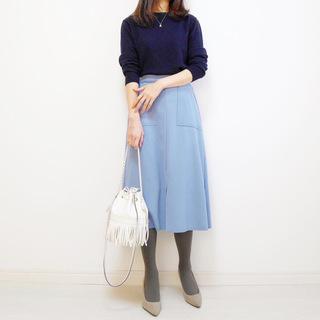 ブルーのスカートでリフレッシュ【tomomiyuの毎日コーデ】