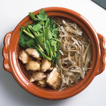 2.鶏とごぼう、せりの鍋