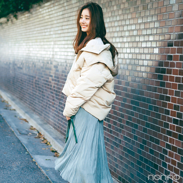 新木優子はフェミニン服×ショートダウンで冬のデートコーデ【毎日コーデ】