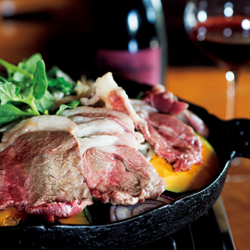 自家栽培の飼料で育てる 羊肉をワインとともに ひつじや