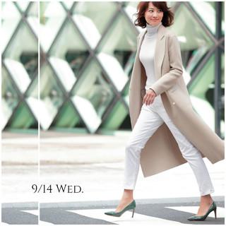 新色ミルクティー色のコートを羽織って、敬老の日のギフトを探しに