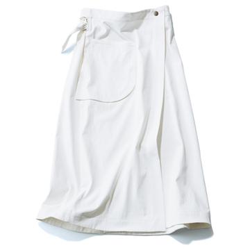 """クリーンな印象でマンネリを打破する「白ロングスカート」3選【真夏の""""買い足し""""服&小物】"""