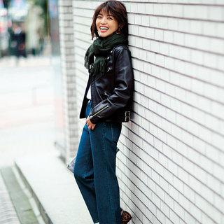 冬だってデニムが履きたいから。「インディゴワイドデニム」履く日のあったかテク