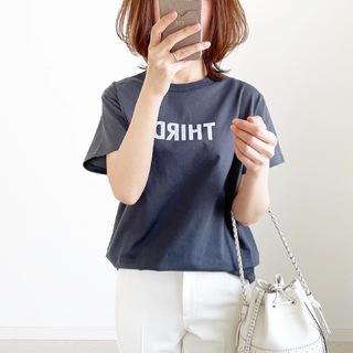 別注!限定ロゴTシャツで春先取りスタイル【tomomiyuコーデ】