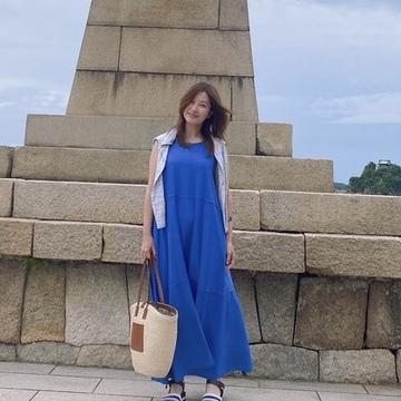 ブルーワンピにでかかごバッグを持って広島県福山市鞆の浦へ♬