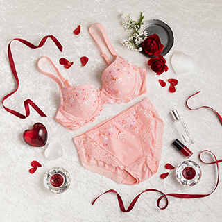 """今年のバレンタインは、あの人気ブラで""""女っぷり""""を高める日に!"""