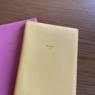 """毎年手帳はサイズと色味と種類豊富な""""DELFONICS""""キトリで。"""