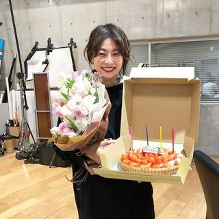 モデル 五明祐子の撮影オフショットを公開!撮影終了後のひとコマ♡