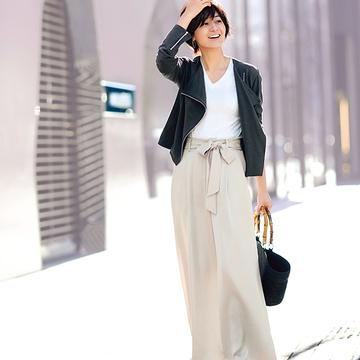 【ショッピングは大人の甘辛コーデで】富岡佳子のハンサム&フェミニン着回し