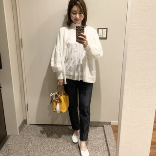 yoriのデニムパンツは、着やすいと着やせを両立。