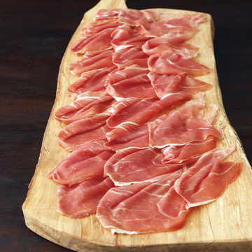 日頃の感謝を形に ワンランク上のお肉とチーズの手みやげ五選