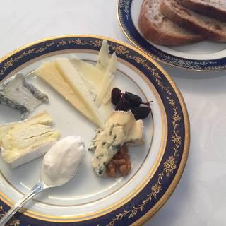 11月11日はチーズの日!チーズは太るは間違いです!!