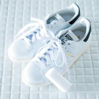 洗濯王子が解決!真っ白をキープする白スニーカーのお手入れ方法とは?