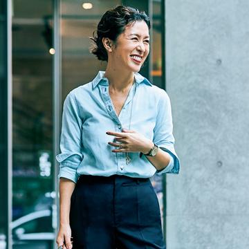 大草直子さんはセンタープレスパンツでおしゃれと体型カバーを両立【おしゃれプロのパンツはきこなし術】