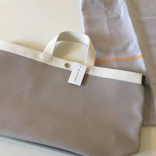 大きめバッグをさがす旅