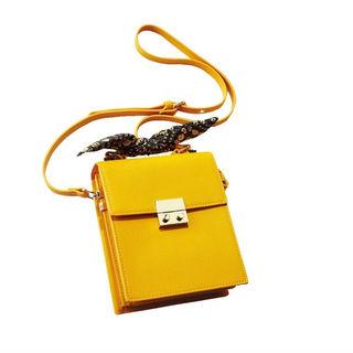 アラフォーが納得して着られるコスパブランド、ZARAのきれい色小物