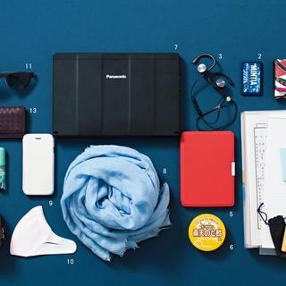 """キャリーケースとトートバッグでスマートな""""動くオフィス""""【働くアラフォーのバッグの中身】"""