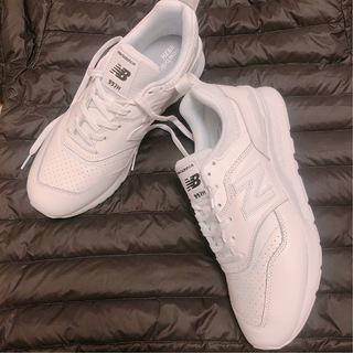 冬も「やっぱり白が好き」!! 私が選んだ白スニーカーはコレ!