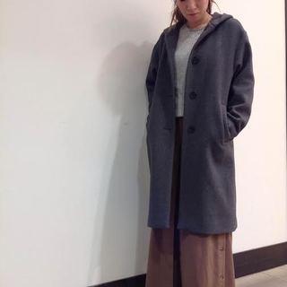 今の時期にぴったり! 【CARRARO】の ウールコート