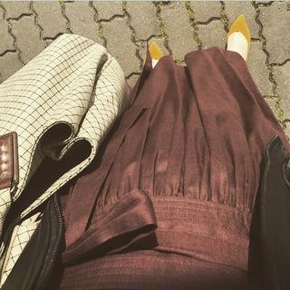 リアル通勤コーデ。スイスイ帰ろう水曜日はマキシ丈スカートで遊び心をプラス!_1_2