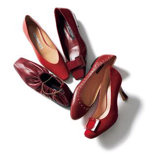 スニーカーやスポサンだけの日々は卒業!「こっくりとした赤のパンプス」【明日から秋本番まで履ける靴】