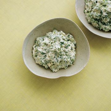 3.香菜と豆腐のサラダ