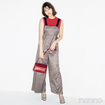 渡邉理佐は赤の差し色でオールインワンを色っぽく着る!【毎日コーデ】