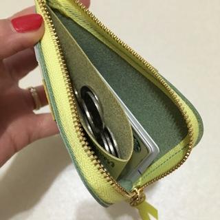 偶然出会えた、色違いで持ちたくなるミニ財布。_1_3