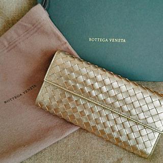 メタリックloverとは私のこと。ゴールドの財布はこれで4代目♡