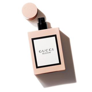 「買ったよ!」の報告が続々! 夢の世界にうっとりしながらきれいになれる、うぬ惚れ香水