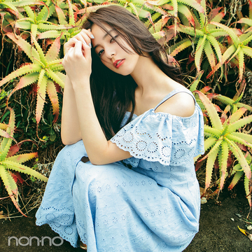 新木優子のロングワンピース、夏は花柄&オフショルで女子モテコーデ♡