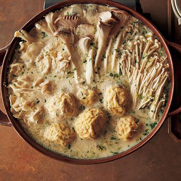 美肌効果も!ヘルシーで優しい味の「豆乳きのこ鍋」【小堀紀代美さんの体にいい鍋】