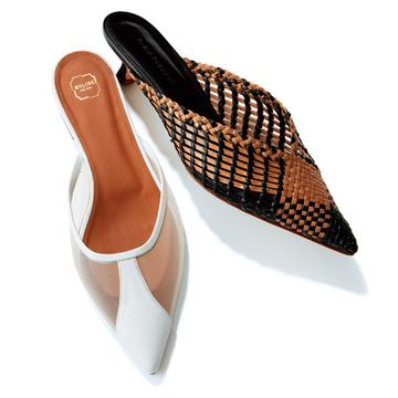 """ひとクセあるとんがりフェミニン靴がシンプルコーデのアクセント【真夏の""""買い足し""""小物】"""